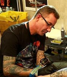 cris_tattoo_meilleur_tatoueur_var_convention_tatouage_france