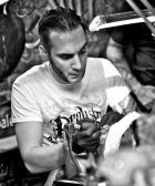Arno_marion_meilleur_tatoueur_festival_tatouage_chaudes_aigues_chaudesaigues_cantal