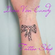 dina_von_candy_meilleure_tatoueuse_languedoc_roussillon_convention_tatouage_france_cantal_ink