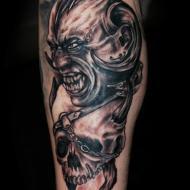 Corinne_dubosque_tattoo_studio__meilleur_tatoueur_festival_tatouage_chaudes_aigues_chaudesaigues_cantal_