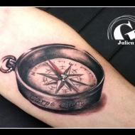 julien_dirtycool_meilleur_tatoueur_vaucluse_convention_tatouage_cantal