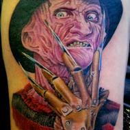 Piéro_13_bis_tattoo_studio__meilleur_tatoueur_festival_tatouage_chaudes_aigues_chaudesaigues_cantal_